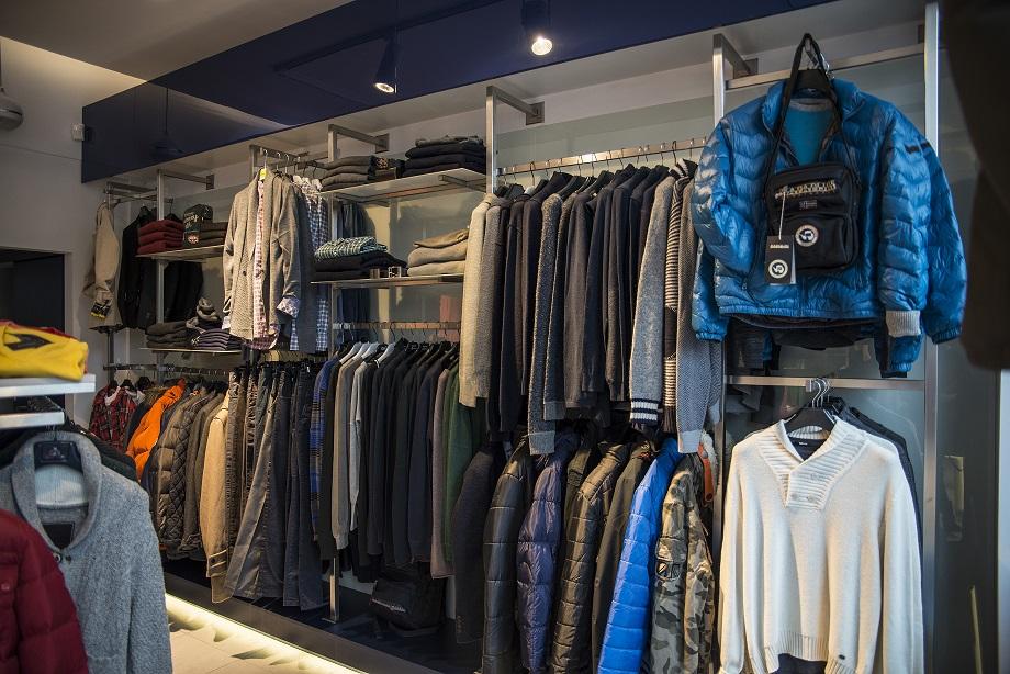 Modernistyczne Meble sklepowe i wyposażenie sklepów - regały sklepowe, meble do EJ53